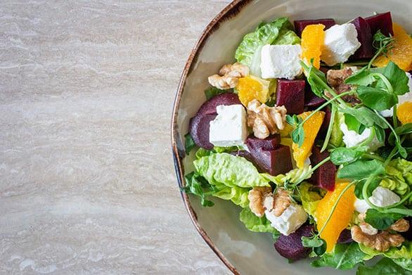 Dieta-Keto-cetogénica-ensalada-y-proteínas