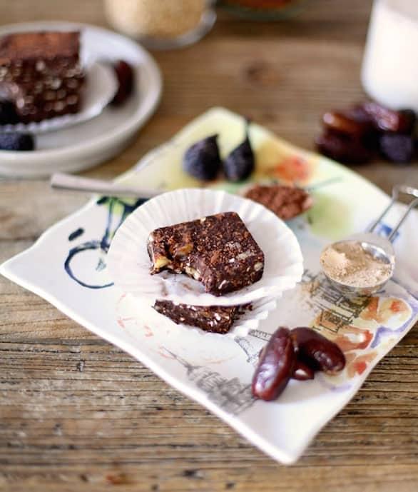 Chocolatina-casera-vegana-rica-en-proteínas