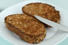 Ingredientes-de-Tostadas-con-manzana-y-quinoa