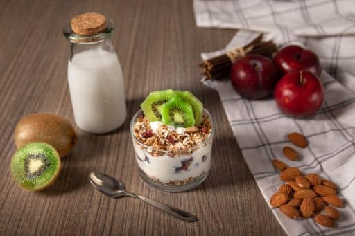 Mejor bowl alto en proteínas frutas y yogurt proteico