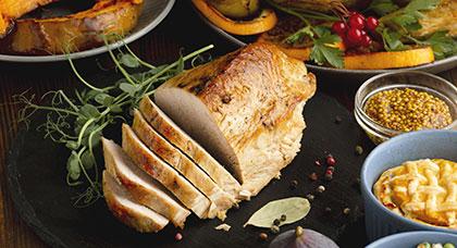 ejemplos de alimentos ricos en proteínas carne de pavo
